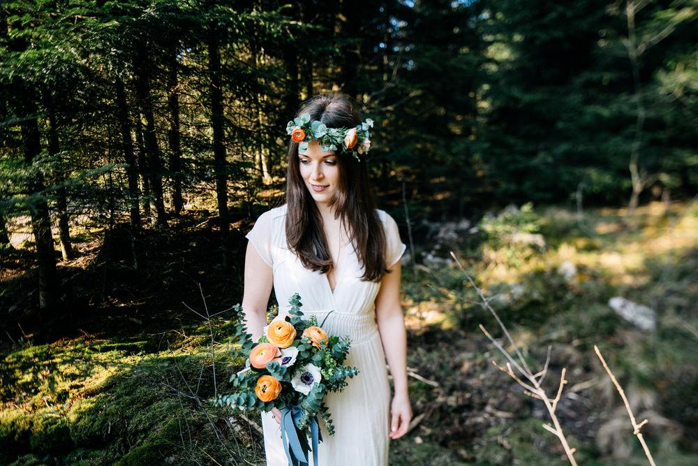 Es braucht nicht viel, um zu heiraten! Eine Boho Waldhochzeit