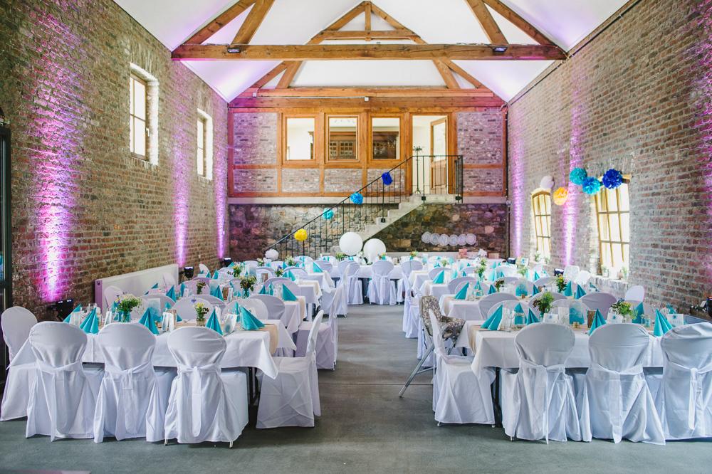 Tischdekoration Hochzeit gelb blau