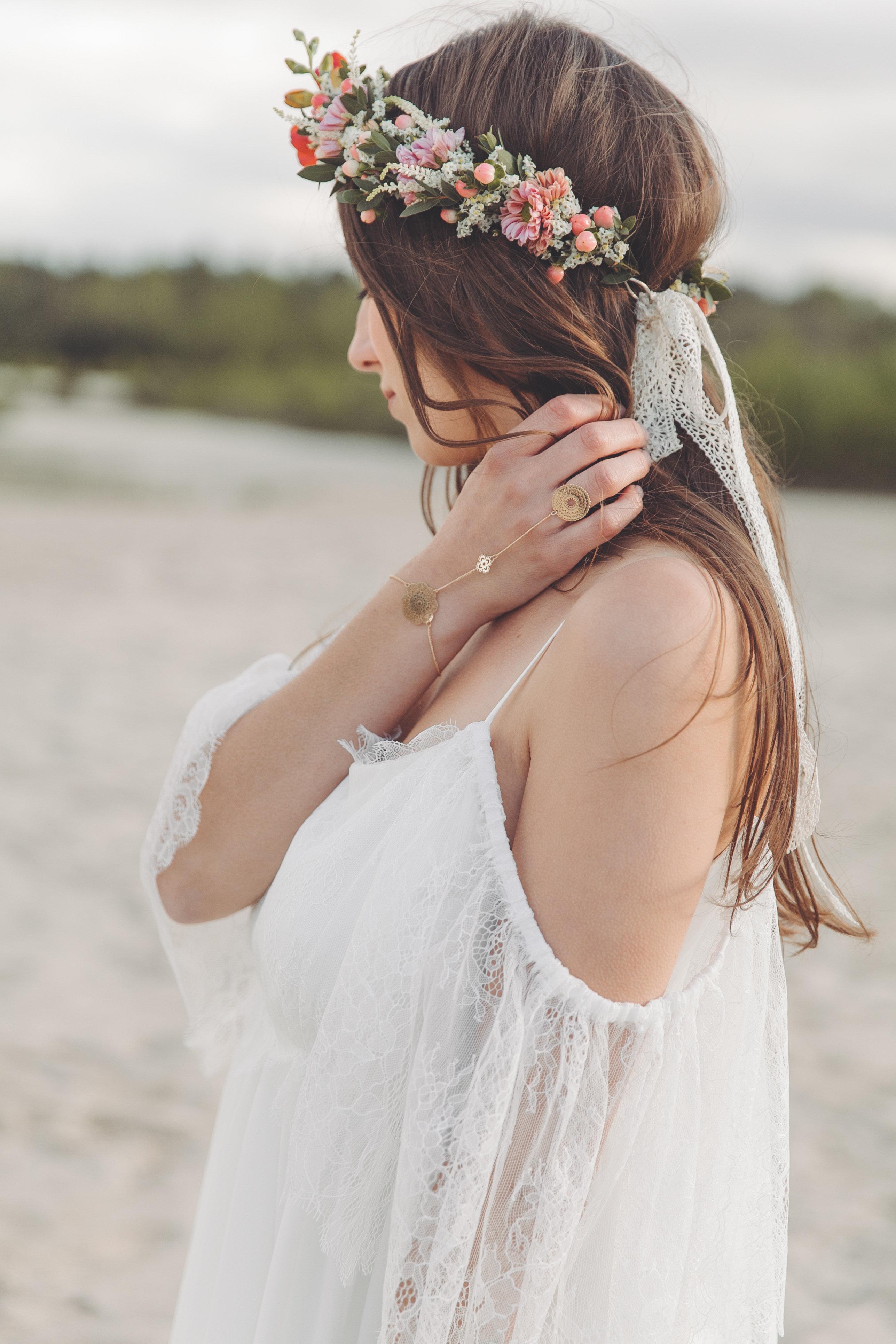 Brautkleid Boho Light & Lace