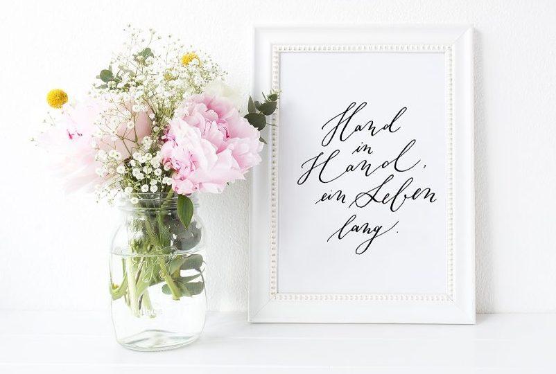 Hand in hand ein Leben lang Trauspruch kalligrafie Hochzeit