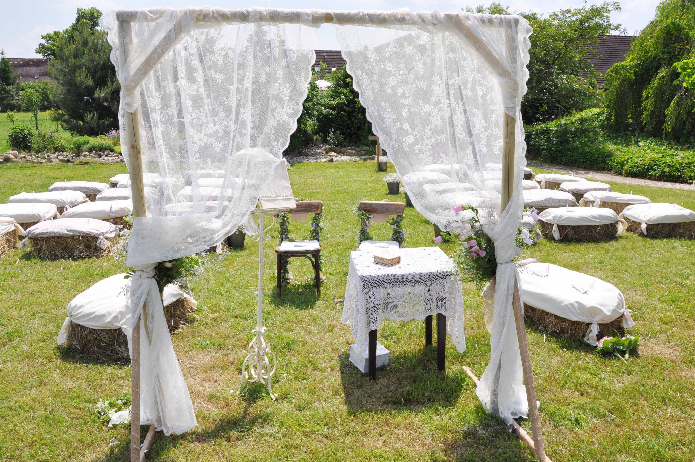 romantische diy hochzeit im freien hochzeitsblog the little wedding corner. Black Bedroom Furniture Sets. Home Design Ideas