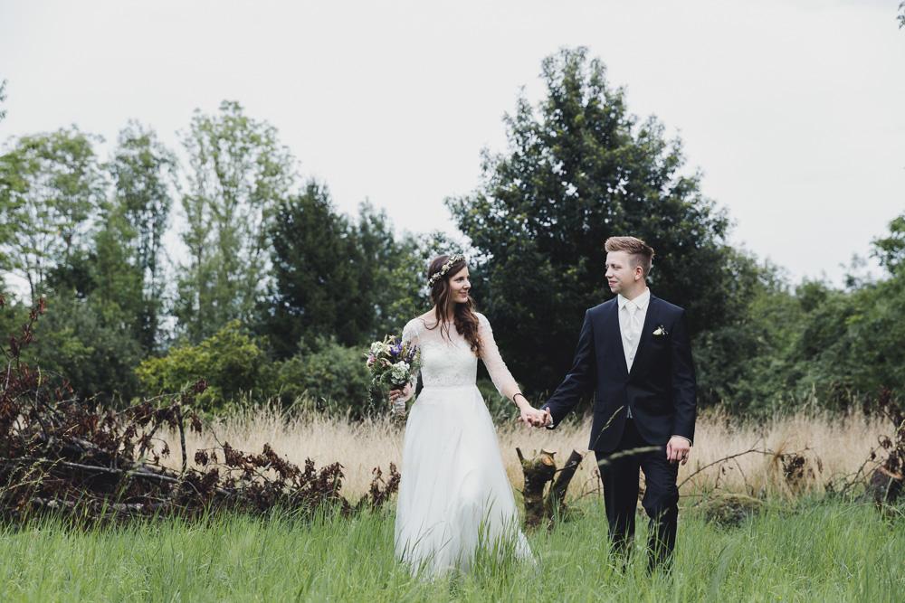 Lässige DIY Hochzeit in einer Grillhütte