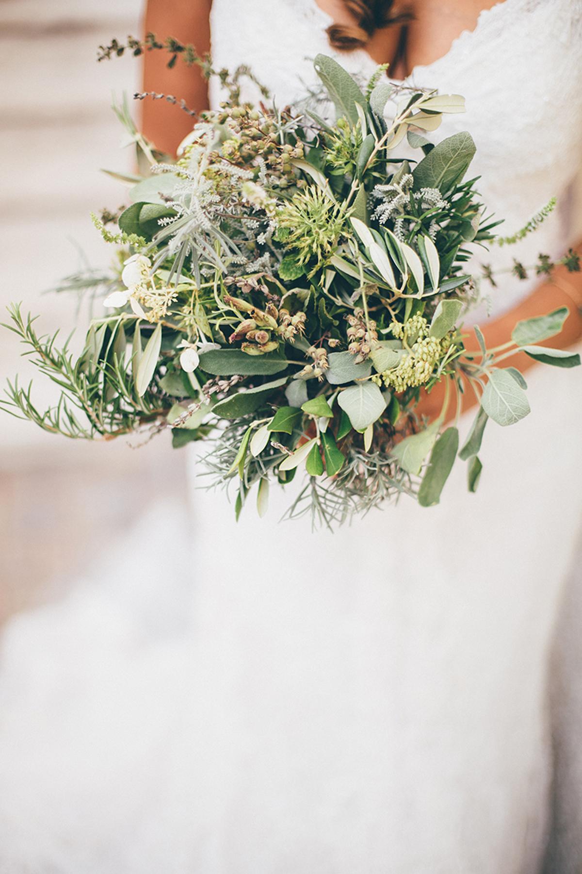 Brautstrauß grün Kräuter