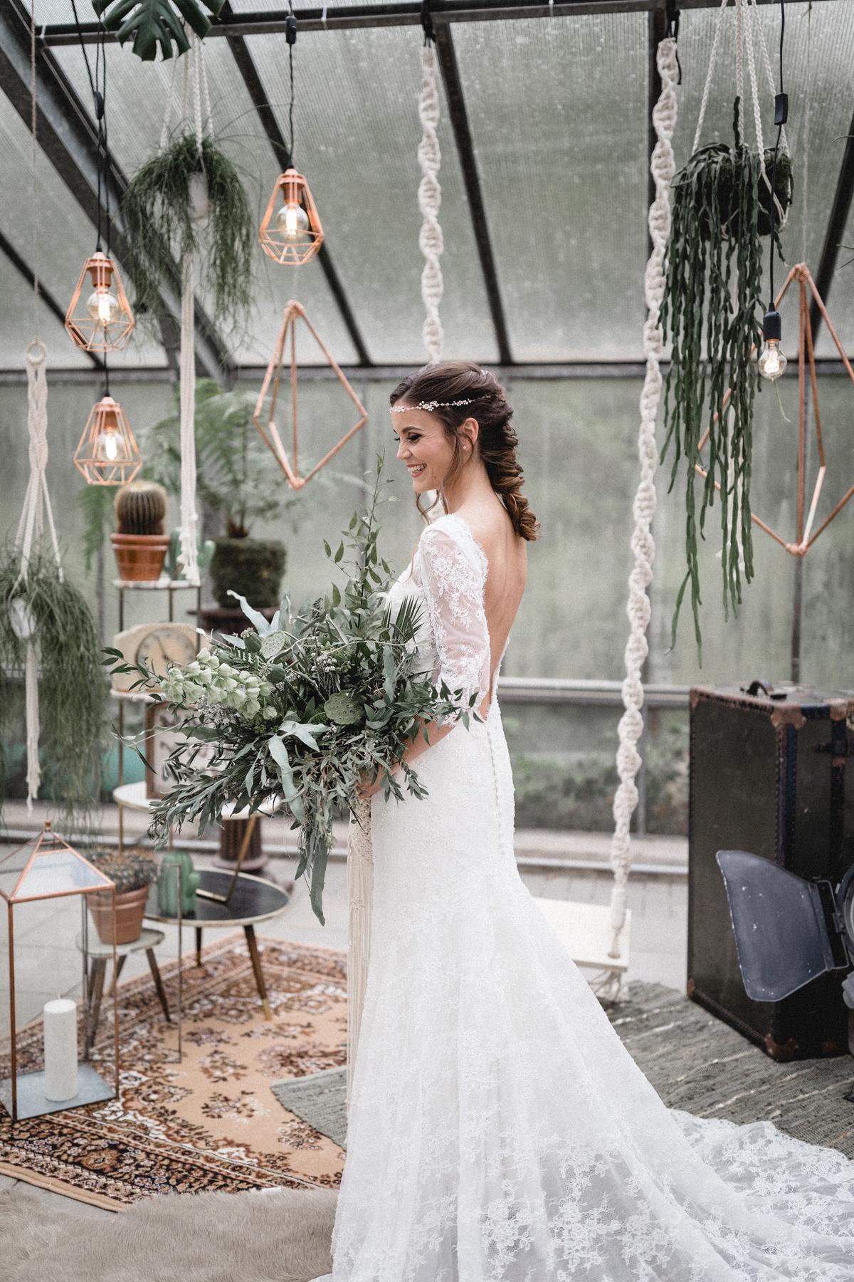 Andreas_Nusch_Hochzeitsfotografie_Brautshooting_2017_JA-Hochzeitsshop_0117
