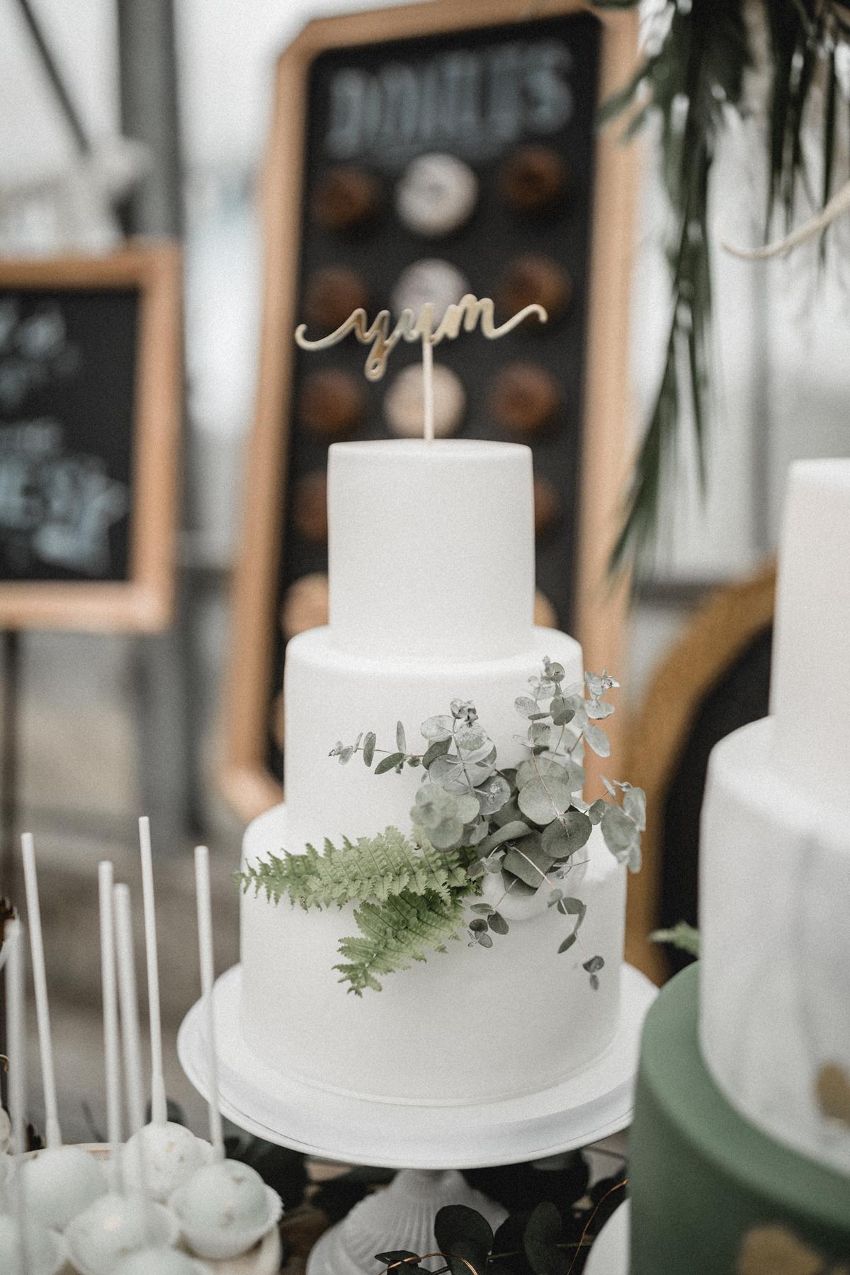 Andreas_Nusch_Hochzeitsfotografie_Brautshooting_2017_JA-Hochzeitsshop_0158