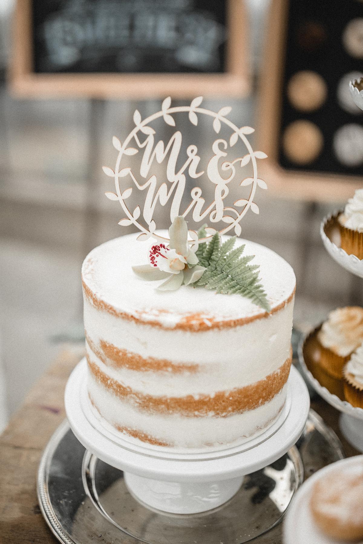 Andreas_Nusch_Hochzeitsfotografie_Brautshooting_2017_JA-Hochzeitsshop_0160