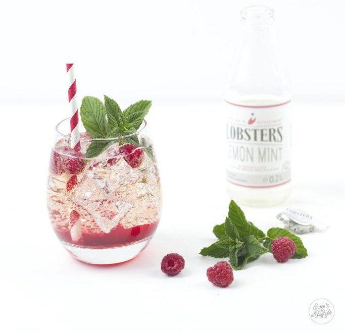 Raspberry-Lemon-Mint-Cocktail-von-Sweets-and-Lifestyle.-683x1024