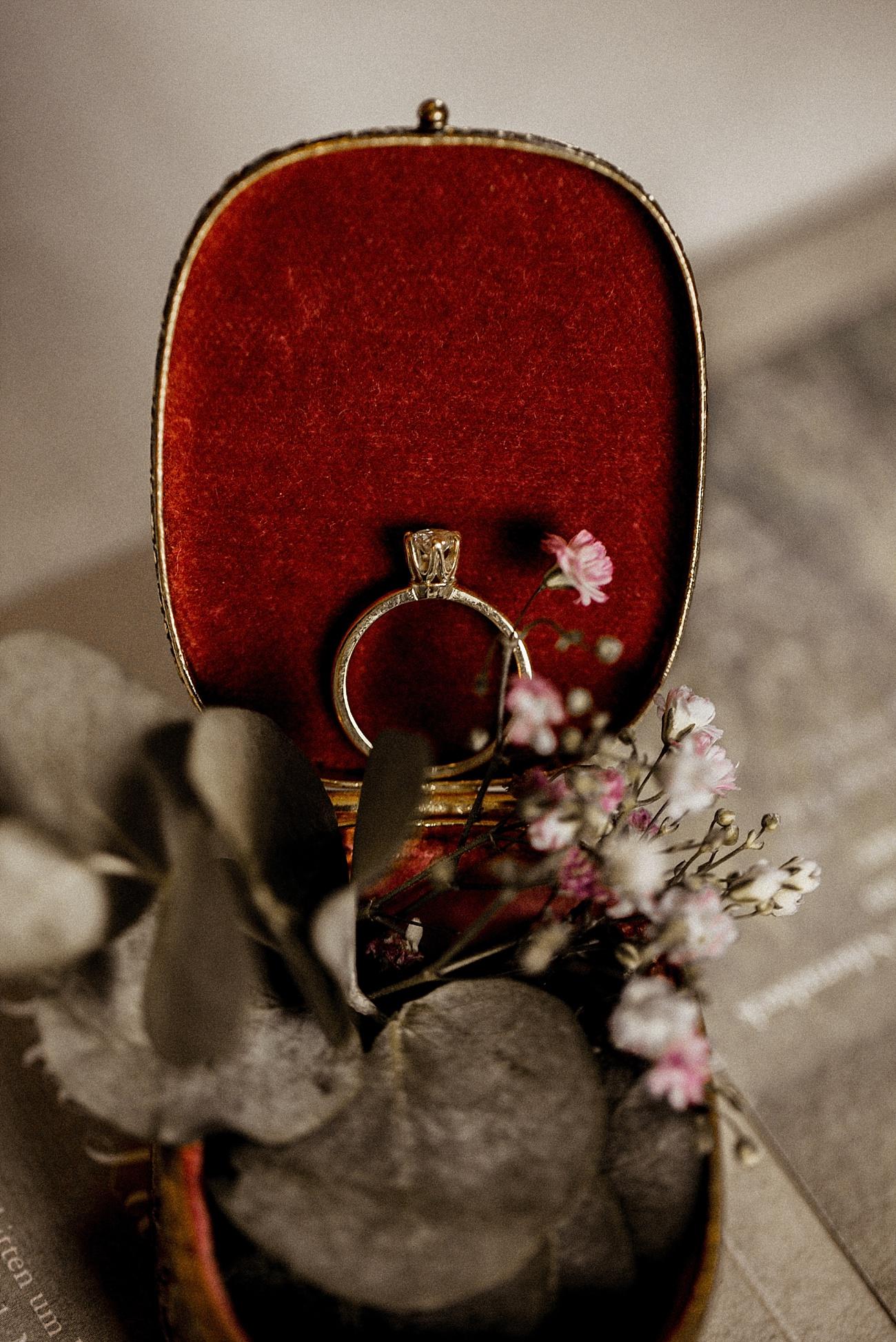 Hochzeit Eheringe Vintage