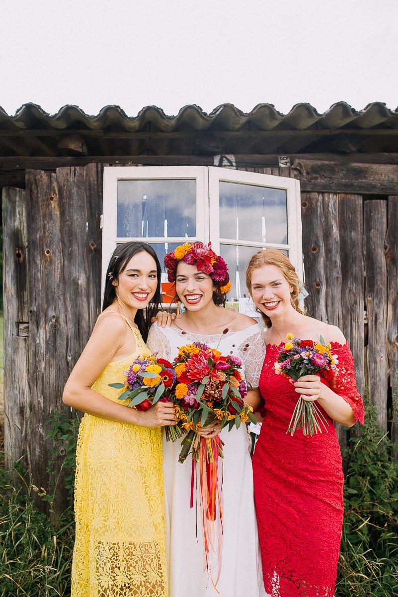 mexikanische Hochzeit ideen für Brautkleid und Brautjungfern