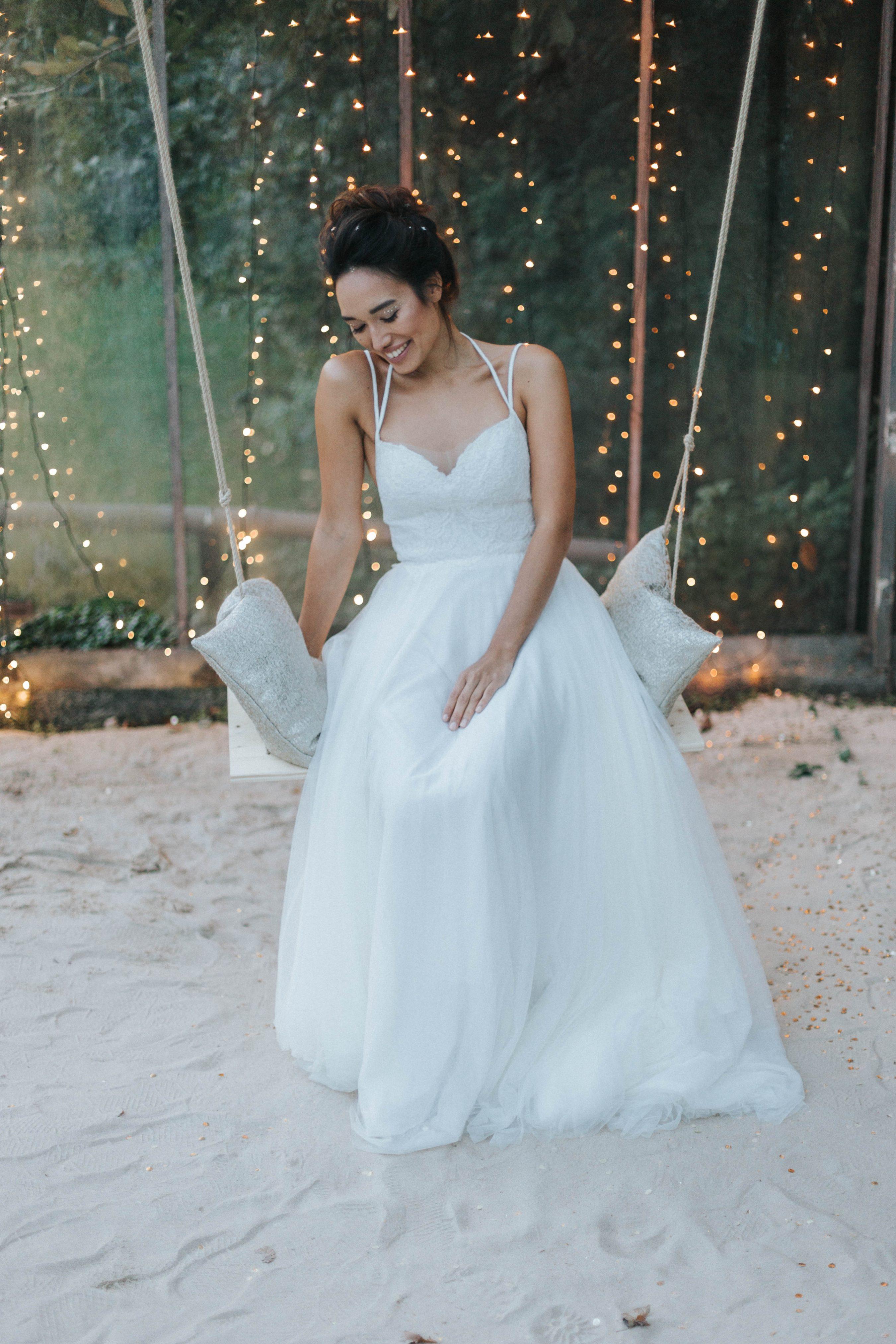 Brautfrisur hochgesteckt, Brautfrisur undone, Brautfrisur lockerer Dutt