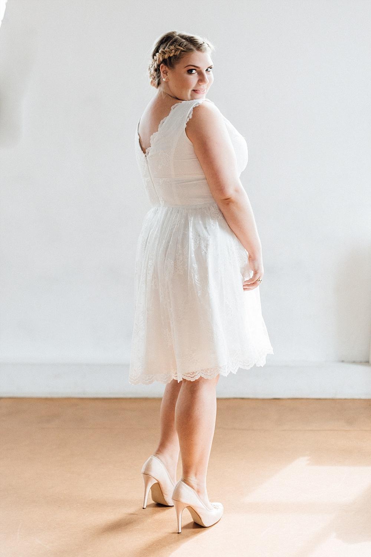 Brautkleid große Größen, Brautkleid ab Größe 44, Brautkleid kurz für große Größen und Standesamt