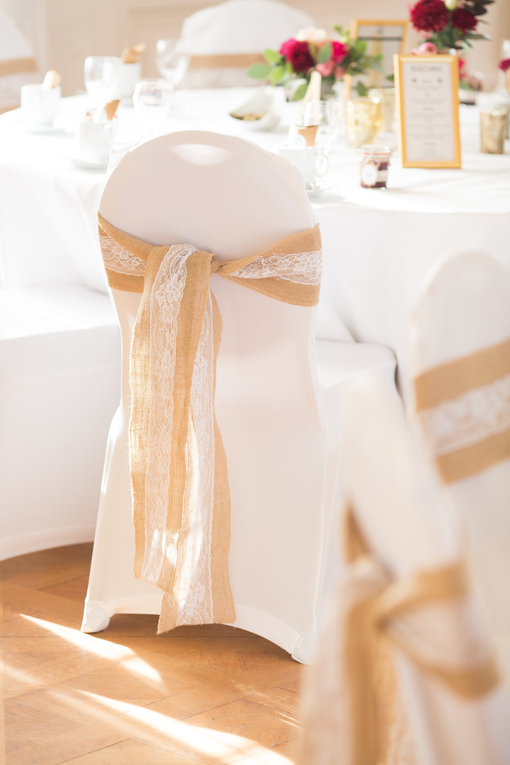 Stuhldeko Hochzeit BRautpaar
