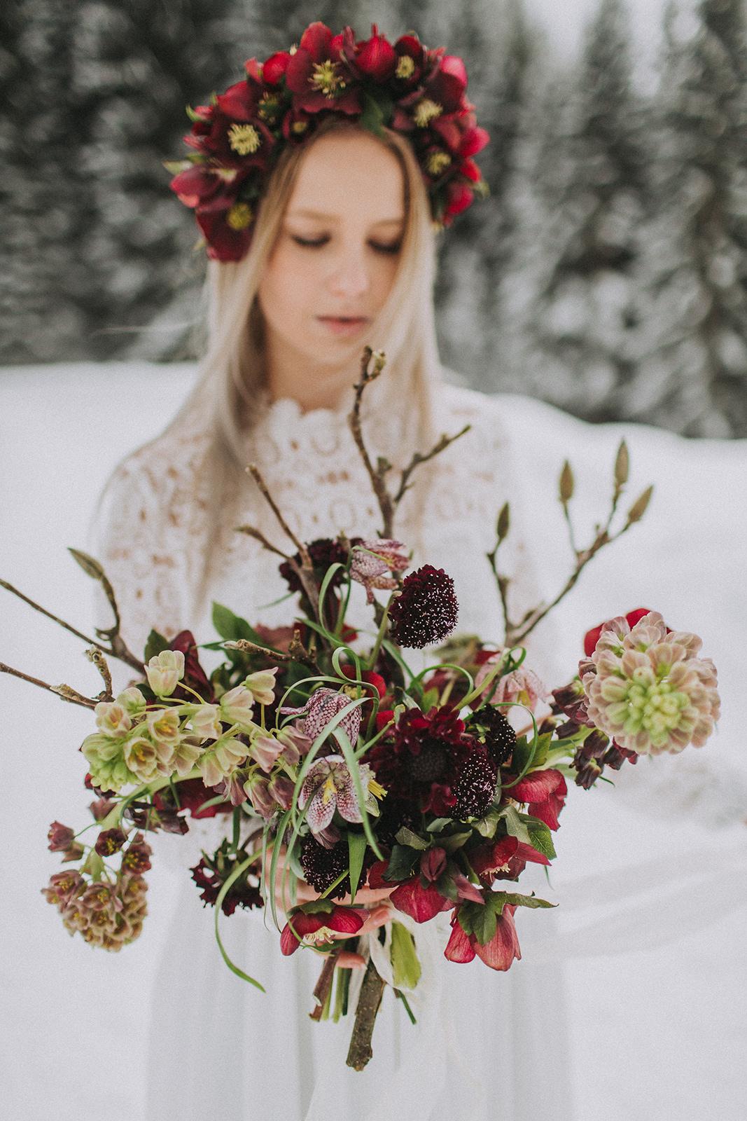 Brautstrauß rot Winter, Winterhochzeit Blumen, Brautstrauß Winterhochzeit, Brautstrauß Winter, Brautstrauß rot