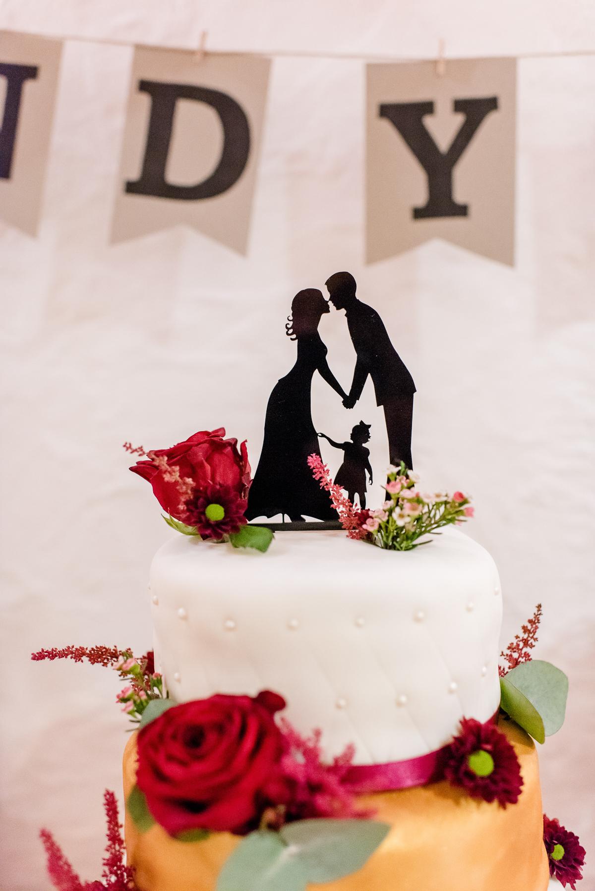 Hochzeitstorte Scherenschnitt