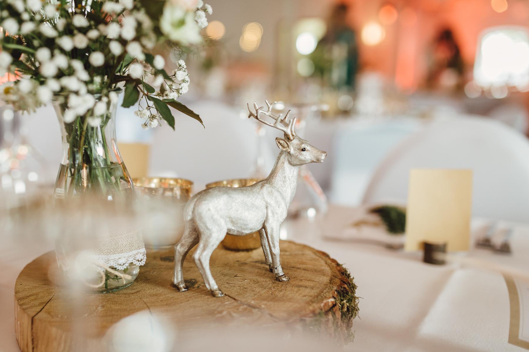 Rustikale Diy Hochzeit Mit Wald Und Hirschmotiv Hochzeitsblog The