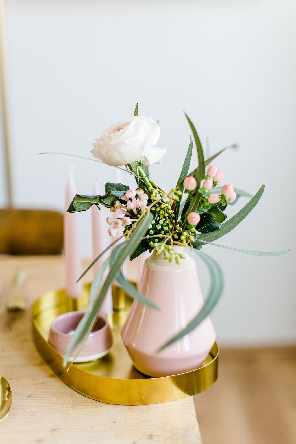 Blumenschmuck Tischdeko Ideen
