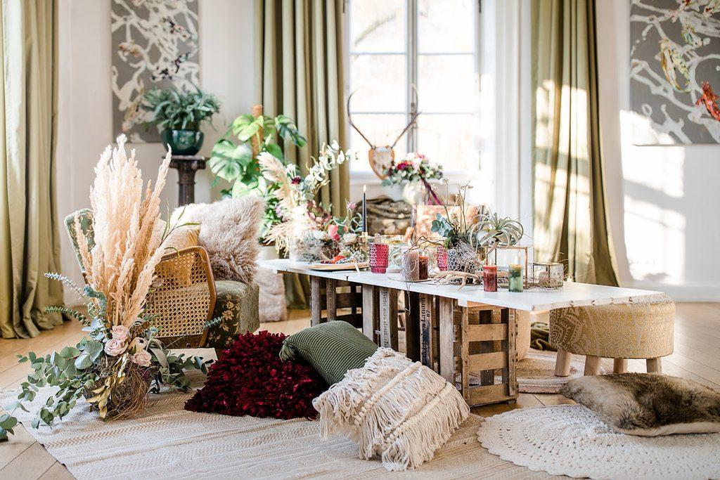 Edle Boho Hochzeit Inspirationen mit tropischem Chic und Pampasgras