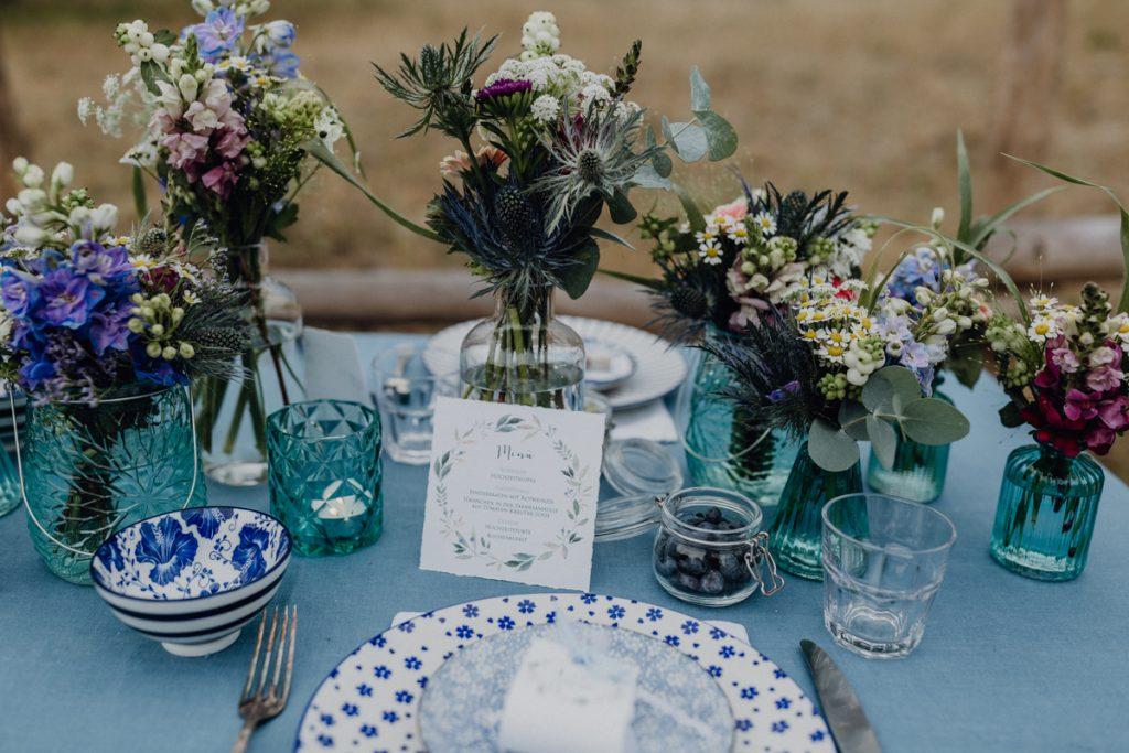 Ideen für eine Midsommar Hochzeit in Blau