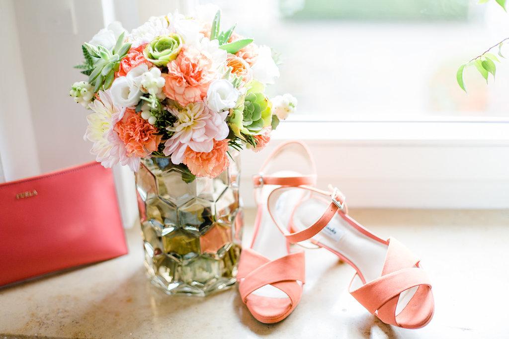 Hochzeitstrend 2019: Pantone Farbe des Jahres Living Coral & Sommerhochzeiten