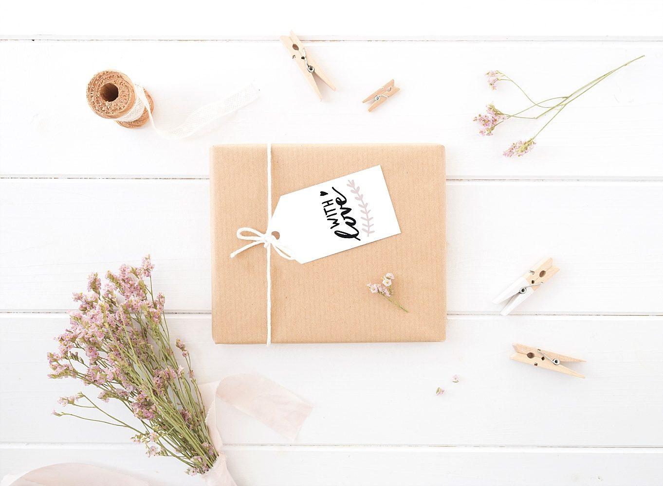 Und heute gibt es zu diesem anlass noch eine besondere überraschung für euch einen freebie mit geschenkanhängern von lena marieke design für euch zum
