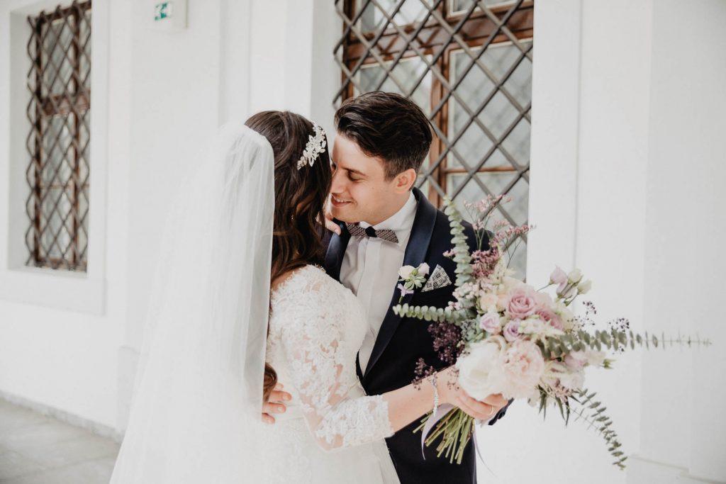 Edle Hochzeit in Lavendel auf Gut Schwabhof