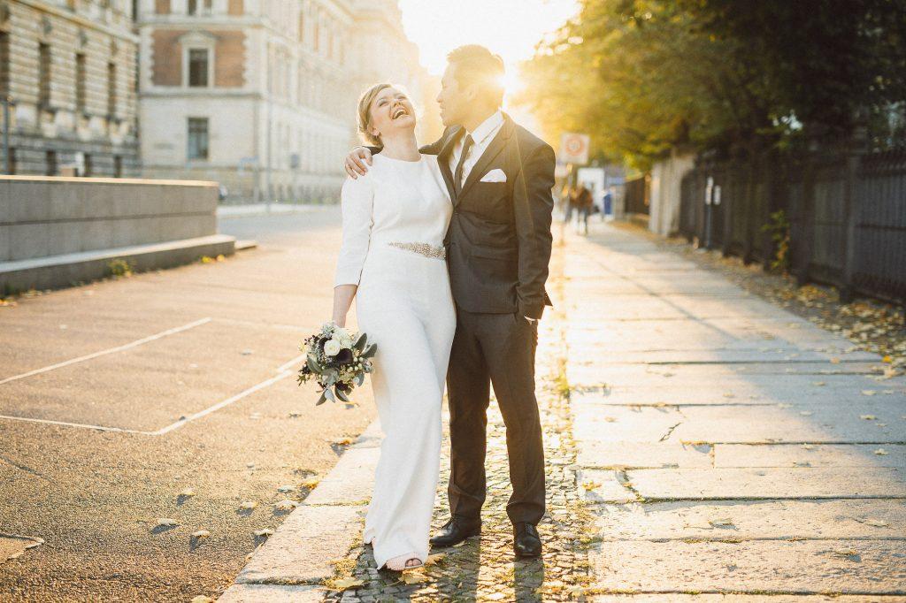 Hochzeit Jumpsuit statt Brautkleid, Hosenanzug Hochzeit Braut