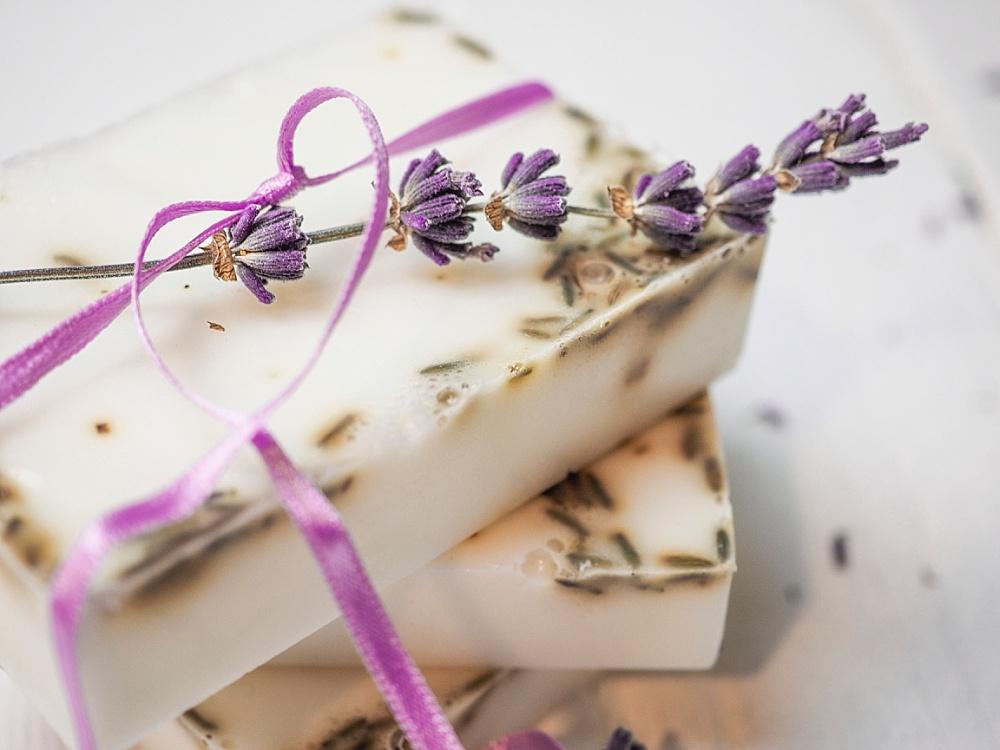Seife selber machen, DIY Seife als Gastgeschenk für Hochzeit, Gastgeschenk für Hochzeit selber machen, Lavendelseife
