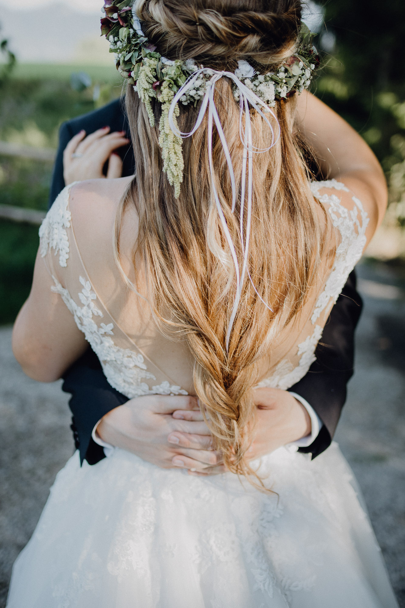 Brautfrisur halboffen, Frisur Hochzeit hochgesteckt