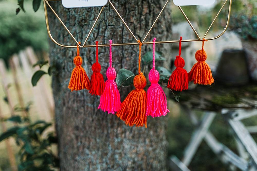Sitzplan Hochzeit DIY mit Quasten