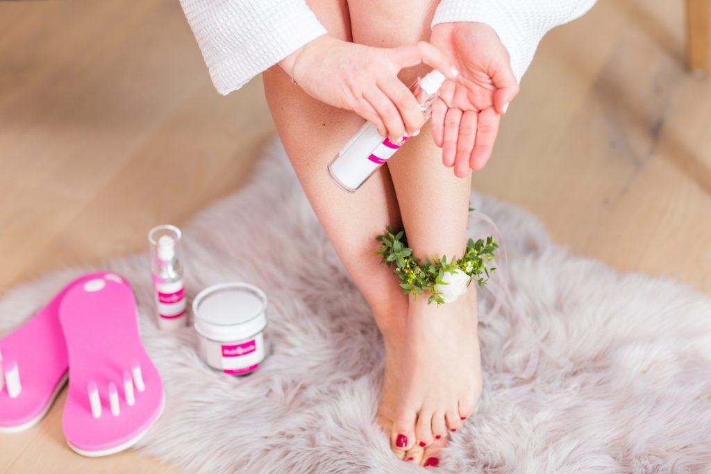 Pediküre Wellness, Pediküre Zehenspreizer, Pediquick Fußnägel lackieren Hilfe, lackierhilfe Füße