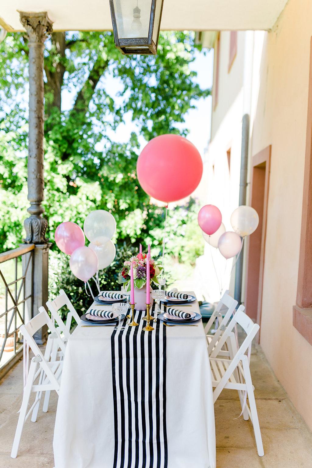 Tischdeko Brautparty, Tischdeko JGA, Tischdeko Junggesellinnenabschied, Tischdeko schwarz weiß gold pink