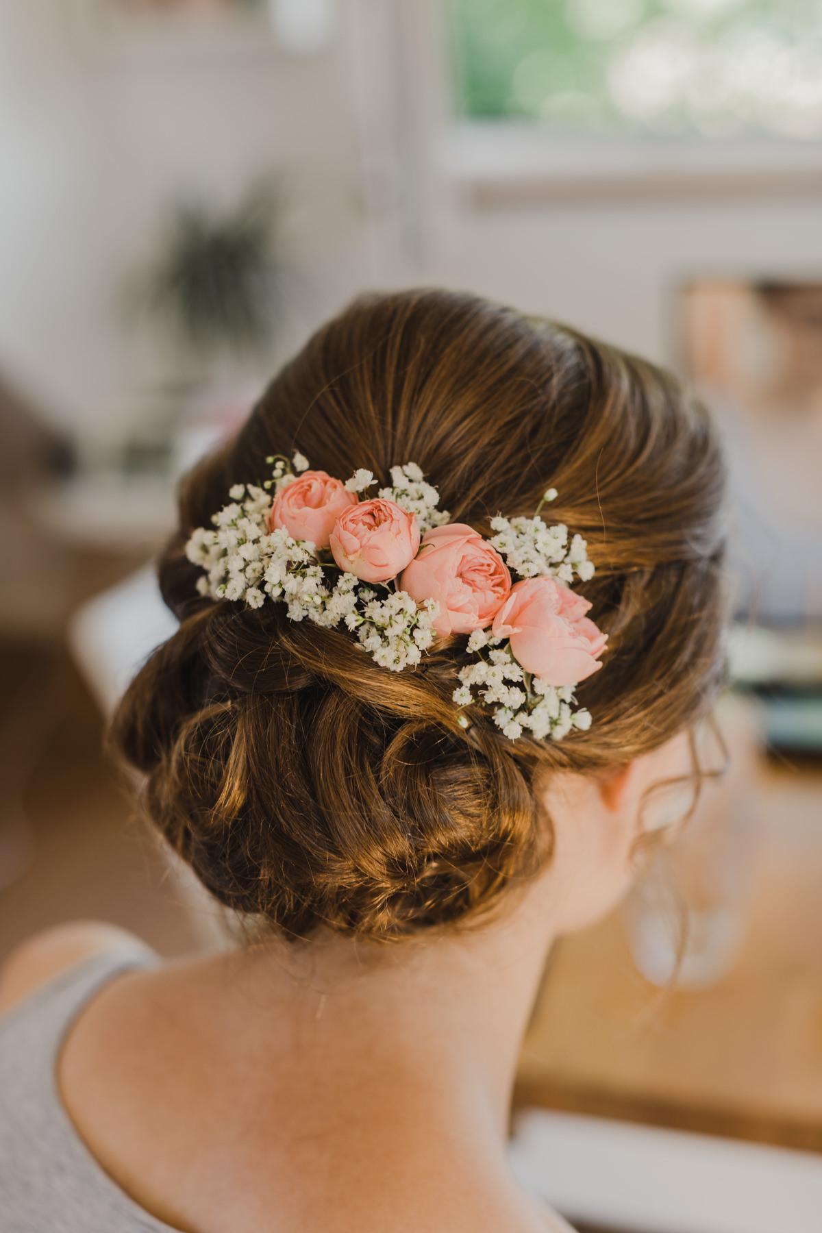 Frisur Hochzeit hochgesteckt, Brautfrisur Hochzeit