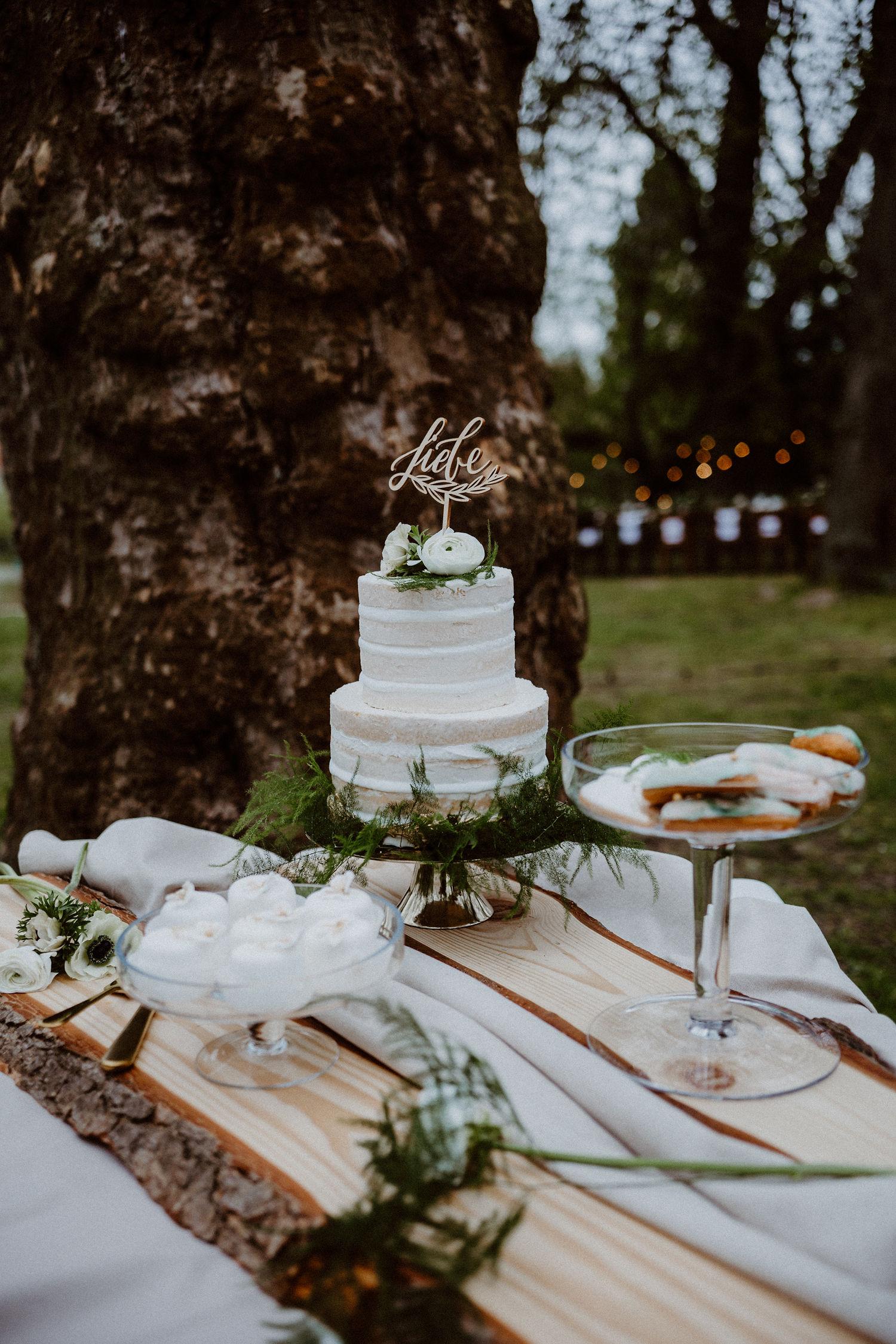 Hochzeitstorte Naked Cake mit Liebe Cake Topper, Tortentopper Liebe Hochzeit