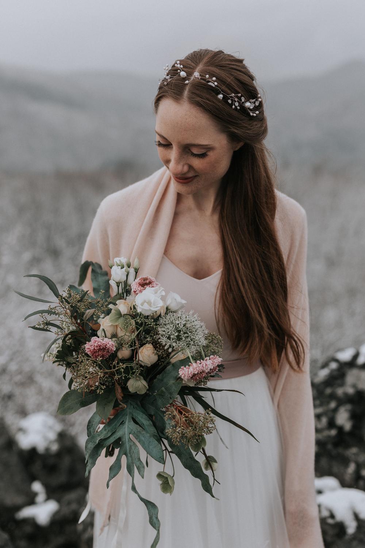 Brautkleid Winter mit Stola