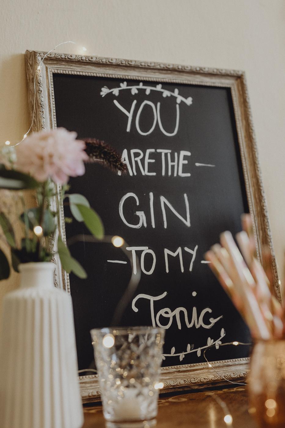 Gin Bar Schild Hochzeit