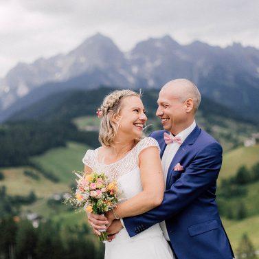 Lässige Hochzeit in den Bergen