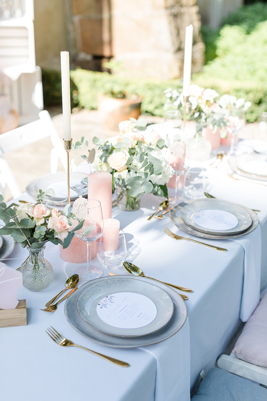 Tischdekoration Outdoor Hochzeit Hellgrau Rosé