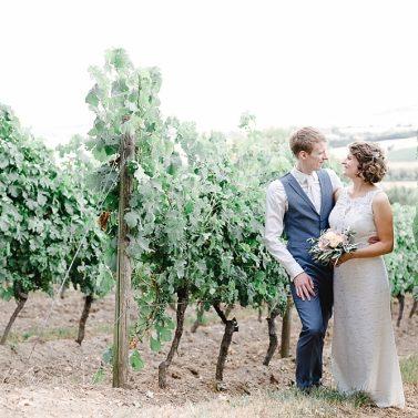 Eine edle Outdoor Hochzeit auf dem Weingut
