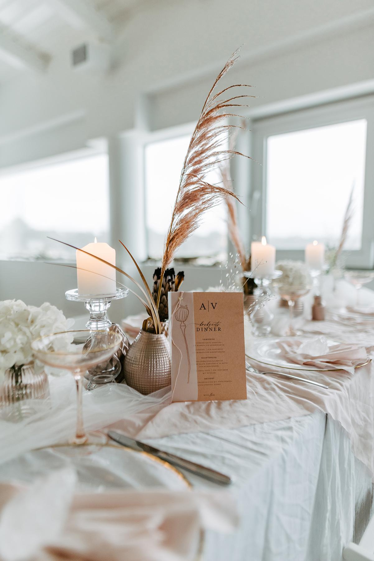Tischdekoration Trockenblumen Hochzeit, Tischdekoration Nude BLush Sand