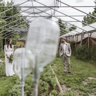 Gewächshaus Hochzeit: Eine lockere Gartenparty mit DIY Upcycling Dekoraiton