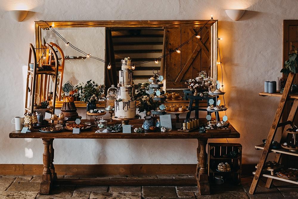 Winter Kuchenbüffet Hochzeit, Sweet Table Hochzeit Ideen, Sweet Table Winterhochzeit