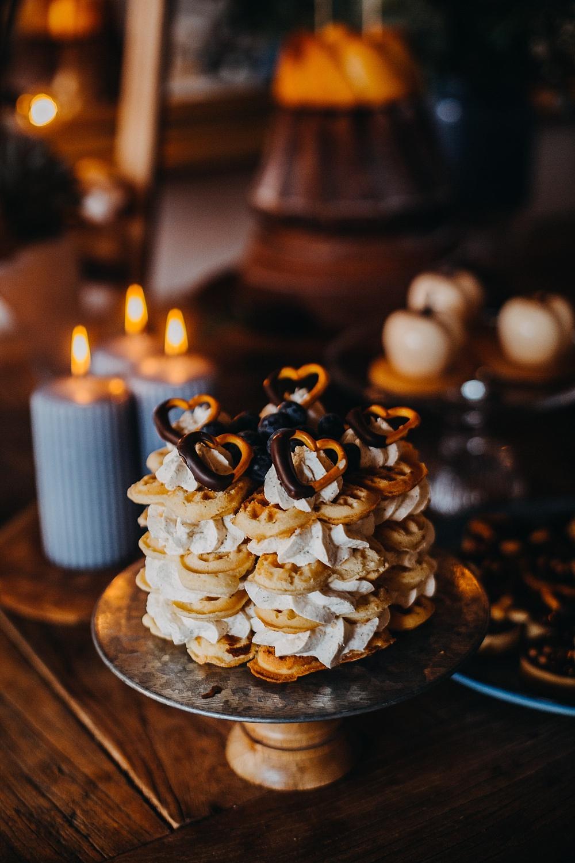Waffeltorte als Hochzeitstorte, Waffle Cake Hochzeit, Waffeltorte Hochzeit, Hochzeitstrend 2020 Waffle Cake