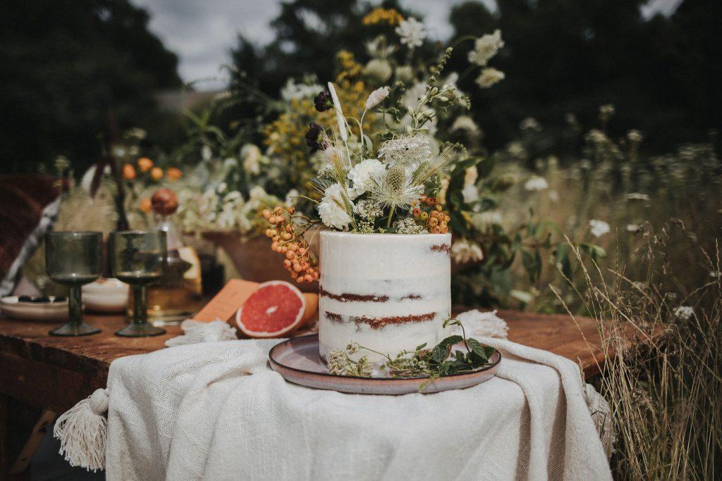 Hochzeit Picknik, Ideen Hochzeit trotz Corona, Ideen Outdoor Hochzeit, Hochzeit draußen feiern, Hochzeit im Freien, Family Style Dinner Hochzeit