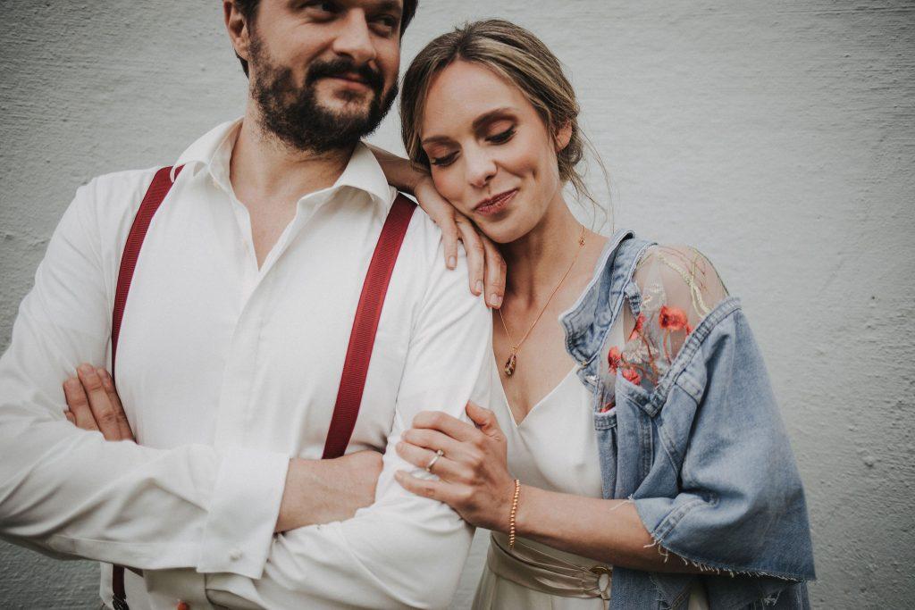 Braut Jeansjacke Hochzeit