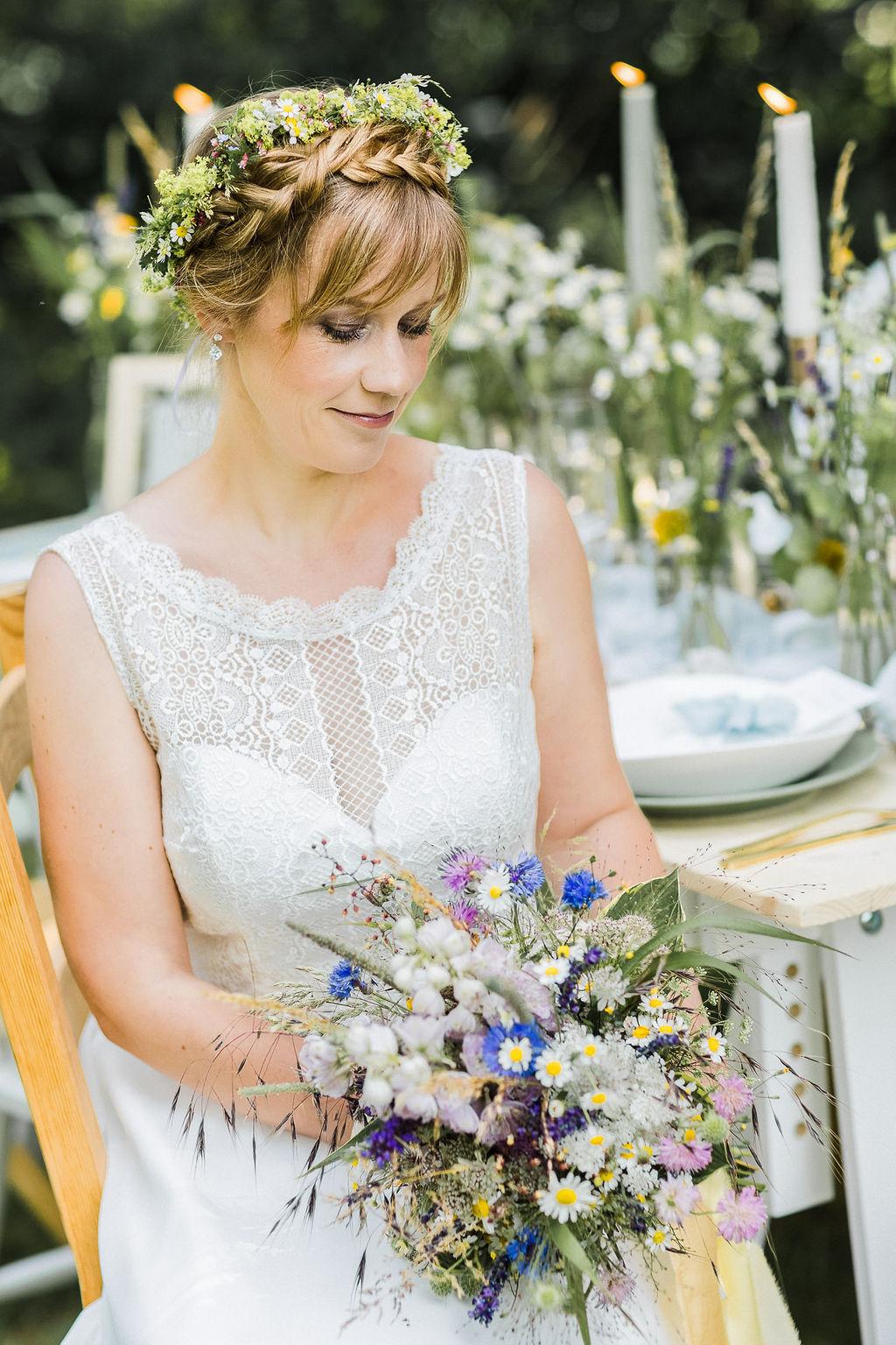 Brautstrauß Wiesenblumen, Brautstrauß Sommer, Sommerbraut, Hochzeit trotz Corona