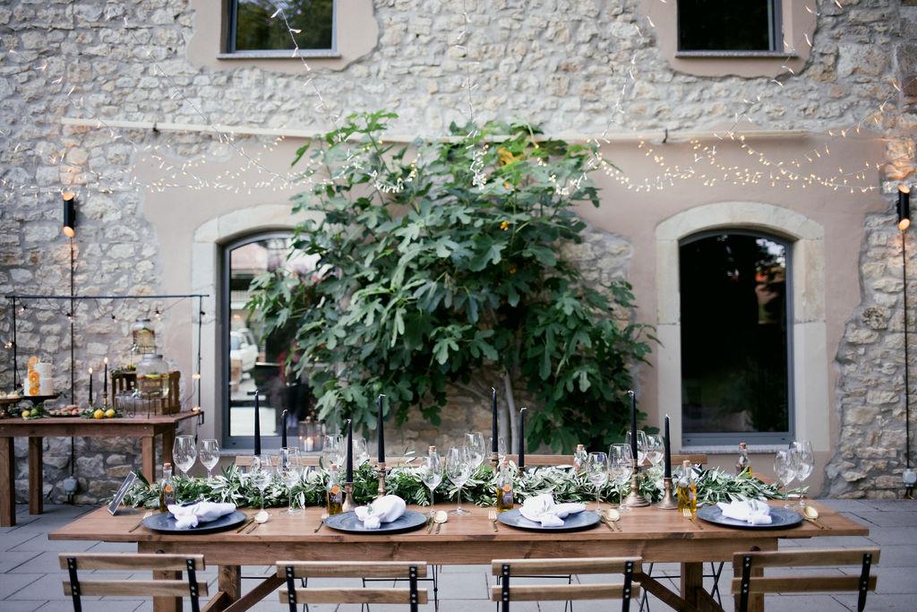 mediterrane Tischdekoration Hochzeit, Tischdeko Olivenzweige Hochzeit, Hochzeit Weingut Tischdeko