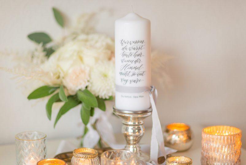 Moderne Trauerkerzen und Gedenkkerzen für die Hochzeit
