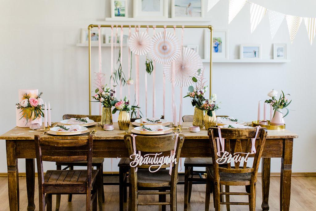 Stuhlschild Braut Bräutigam, Tischdeko Ideen Hochzeit, Stühle Brautpaar schmücken Hochzeit