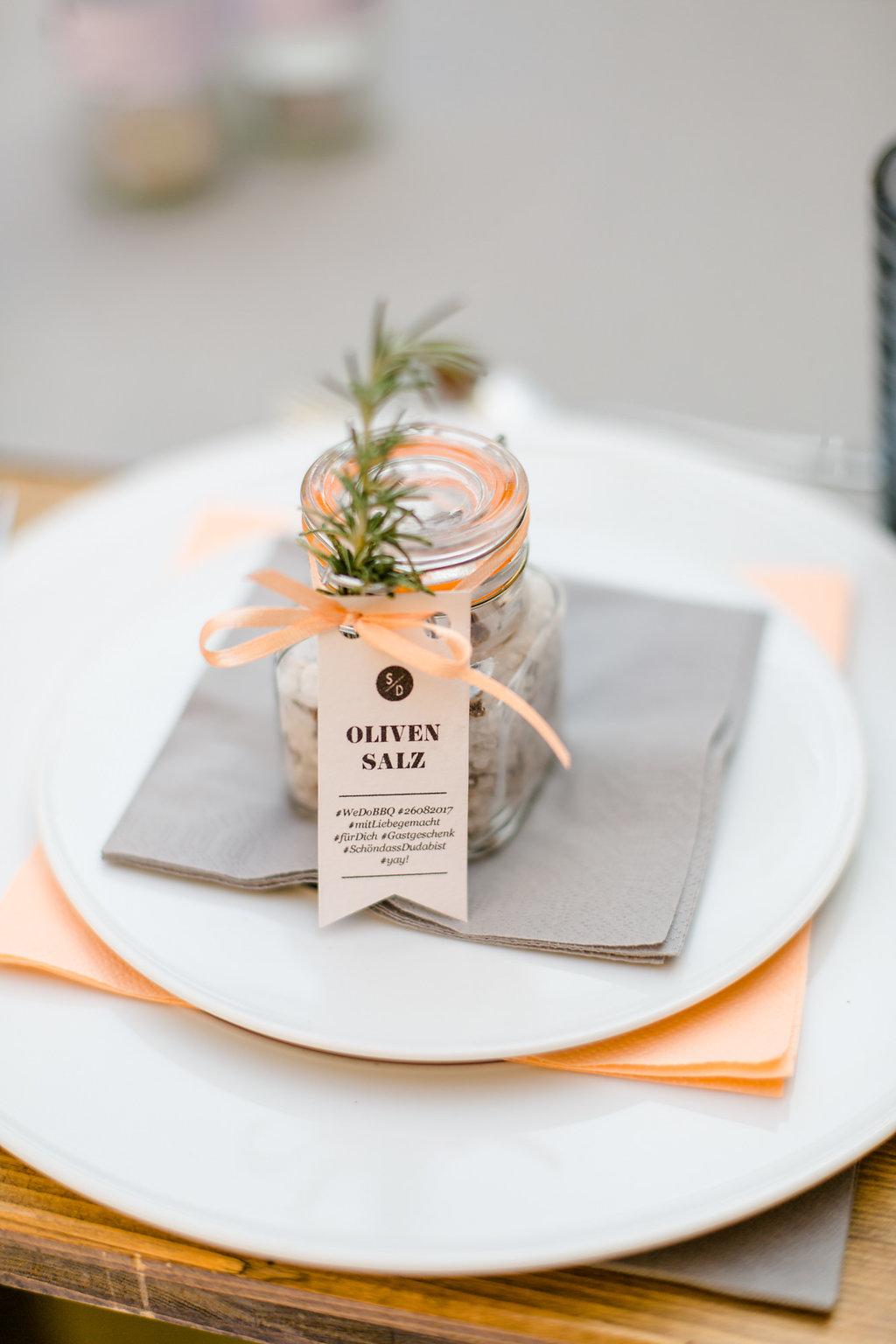 Olivensalz selbermachen, nachhaltige Gastgeschenke Hochzeit, nachhaltiges Gastgeschenk Olivensalz, Green Wedding, umweltfreundliche Hochzeitsdeko